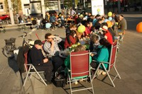 Dinner in bunt gut besucht